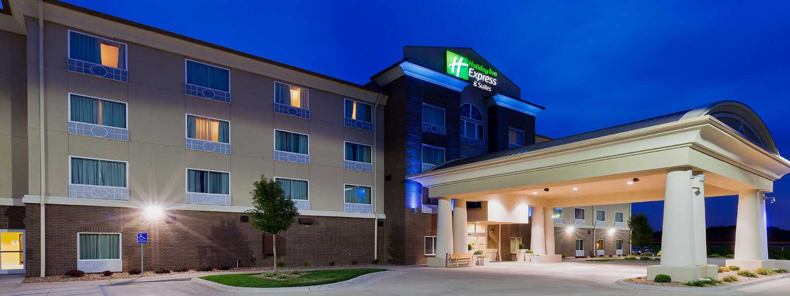 Clean Comfortable Rooms Lodging Hotels Motels in Salina Kansas